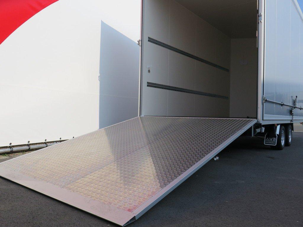 Proline gesloten aanhanger 425x204x250cm 3000kg Aanhangwagens XXL West Brabant oprijklep
