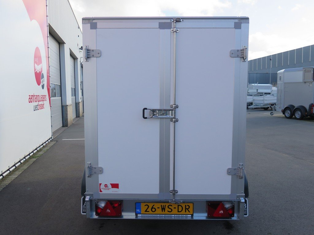 Saris gesloten aanhanger 256x134x150cm 2000kg Aanhangwagens XXL West Brabant 2.0 achter dicht