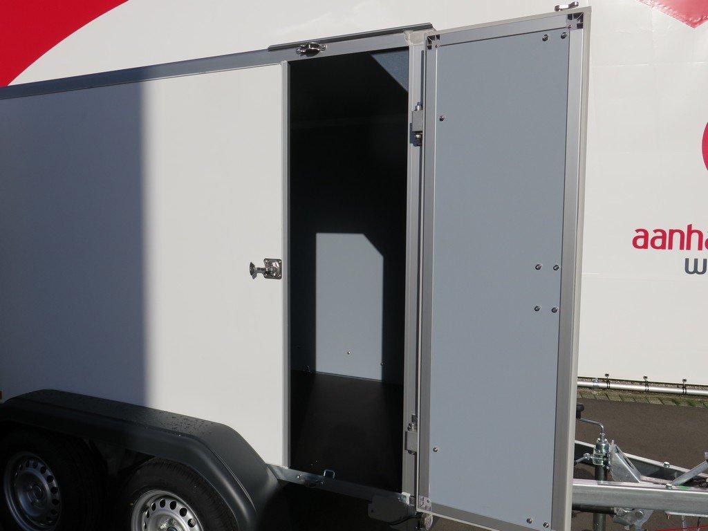 Saris gesloten aanhanger 256x134x150cm 2000kg Aanhangwagens XXL West Brabant 2.0 zijdeur