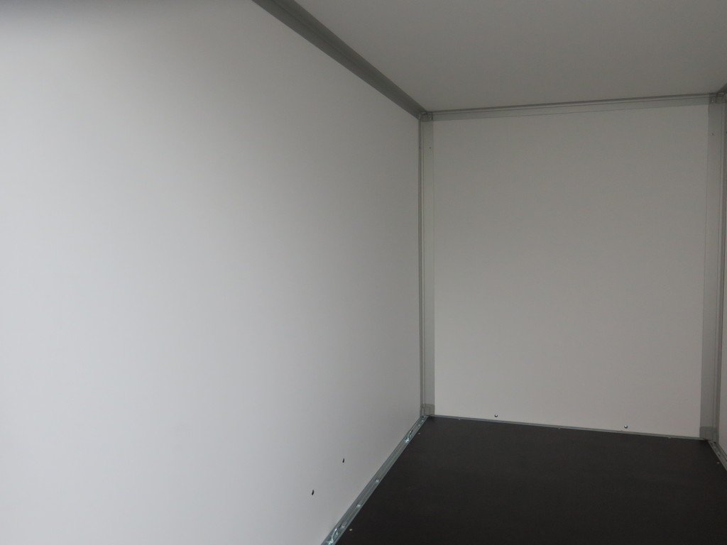 Saris gesloten aanhanger 256x134x150cm 1350kg grijs Aanhangwagens XXL West Brabant binnenkant Aanhangwagens XXL West Brabant