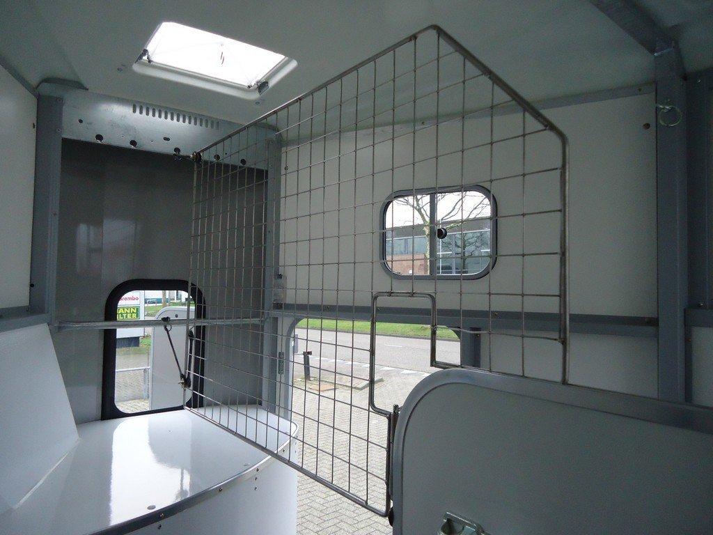 Ifor Williams HB511 2 paards paardentrailer met zadelkamer Aanhangwagens XXL West Brabant binnenkant Aanhangwagens XXL West Brabant